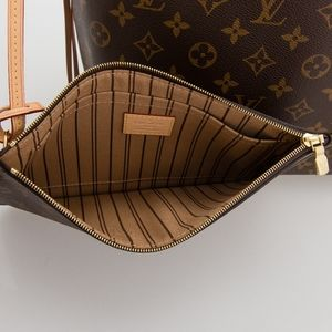 Neverfull mm pouch in monogram and beige brand new